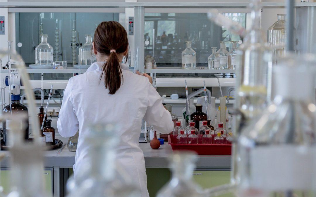 Principales riesgos de protección de datos en los establecimientos sanitarios como farmacias y opticas